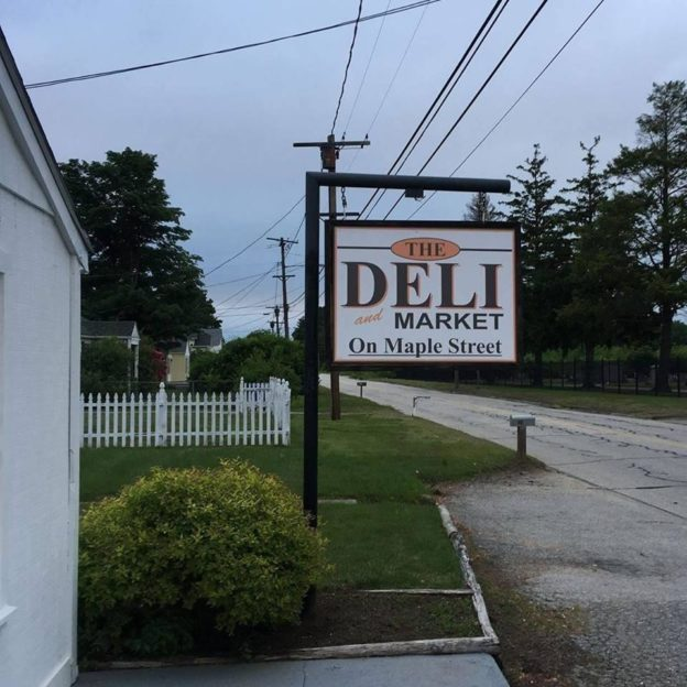 The-Deli-and-Market-on-Maple-Street
